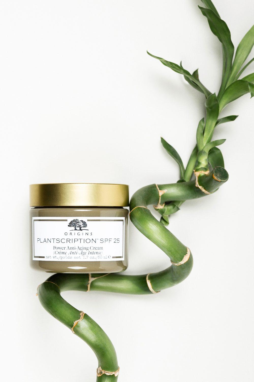Origins Plantscription™ SPF25 Power Anti-aging Cream. Produktfotograf: Tenna Fonnesbo